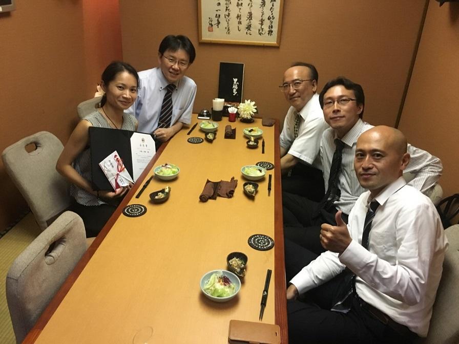お食事会でお祝いをして頂きました.金沢医科大学病院の立花先生,玉瀬先生と一緒に.